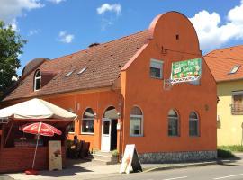 Fitt Söröző és Panzió, Sásd (рядом с городом Mosdós)