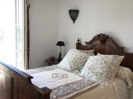 Domaine des trois roses, Cuttoli-Corticchiato (рядом с городом Poggi)