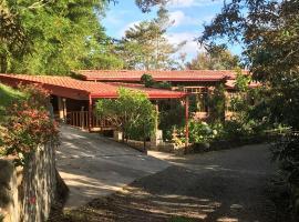 Villa Rafa, Turrialba (Verbena Norte yakınında)