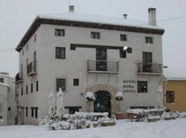 Hotel Restaurante Doña Anita, Requena (La Portera yakınında)