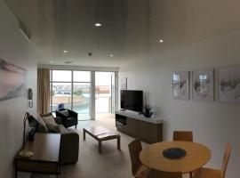 Wallaroo Marina Waterfront Luxe Apartment, Wallaroo