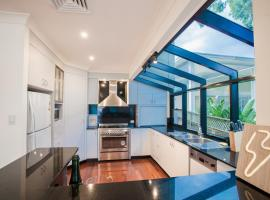 Absolute Water Front Holiday House - Gosford, Gosford (Point Clare yakınında)