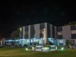 Cristal Hotel, Eduardo Castex (General Pico yakınında)