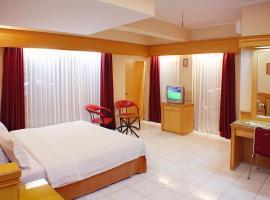 Hotel Hangtuah, Padang