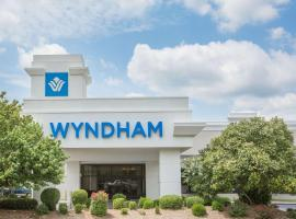 Wyndham Riverfront Hotel
