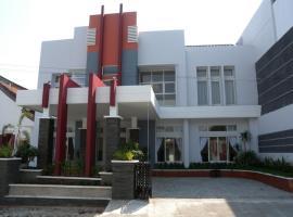 Antika Hotel, Rembang (рядом с городом Pasarbangi)