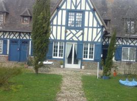 Holiday home route de broglie d22, Saint-Victor-de-Chrétienville