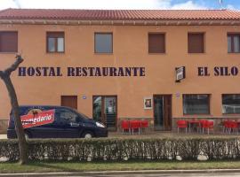 Hostal Restaurante El Silo, Santa María del Páramo (La Bañeza yakınında)