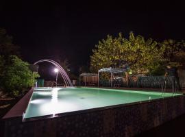 Cheetal Resort, Khāpa (рядом с городом Pipariā)