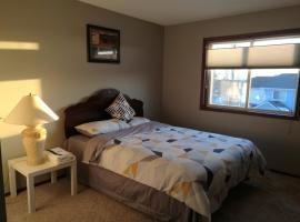 Calgary 3 or 2 Bedroom House, Calgary (Rocky Ridge yakınında)