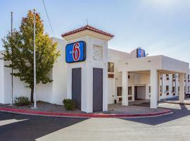 Motel 6 Santa Fe Central