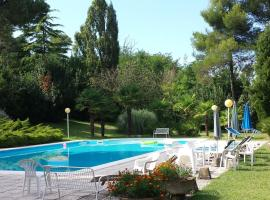 Pesaro - House in the Park to 3 km from the sea. Peace and absorbed relax., Pesaro