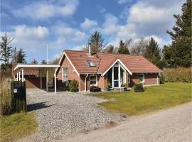 Three-Bedroom Holiday Home in Ulfborg, Fjand Gårde