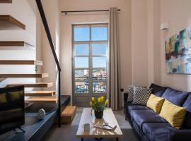 King's Blue , Port View Apartment
