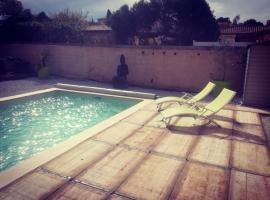 Logement indépendant avec piscine, Saint-Drézéry