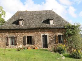 Chez Caro Vacation Home, Mourjou (рядом с городом Calvinet)