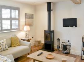 Shoreline Apartment, Craster