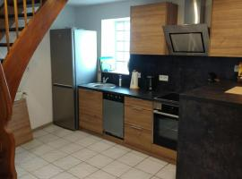 Large 1 bed duplex apartment 5 min from Ramstein US Air Base, Mackenbach (Eulenbis yakınında)