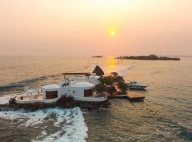 Isla Pelícano, Cartagena de Indias