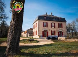 House Domaine de bach, Crégols (рядом с городом Concots)