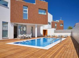 Sunrise Residences - Elite Luxury Home   3 Bedrooms