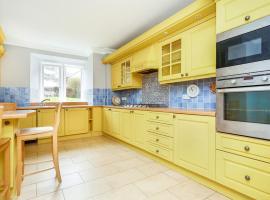 Luxury Apartment, Redhill (рядом с городом Salfords)