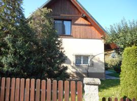 Apartmány pod Hradem, Holštejn (Ostrov u Macochy yakınında)
