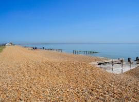 LUXURY SEAFRONT OUTSTANDING 2 BEDROOM APARTMENT, Eastbourne