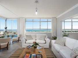 Large Apartment Stunning Ocean View by Private Places, Kaapstad (in de buurt van Milnerton)