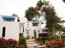 Mediterranean Beachfront House, Olón (Las Núñez yakınında)