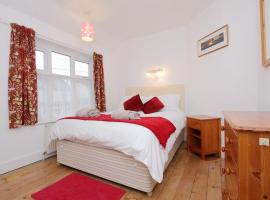 Large Cosy House Ideal for Corporate Lets, Андовер (рядом с городом Hurstbourne Tarrant)