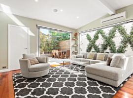 Elise - Beyond a Room Private Apartments, Melbourne (Prahran yakınında)