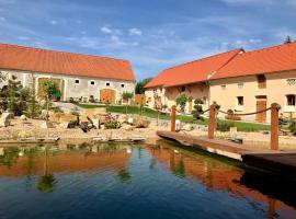 Resort Cedrus, Tuklaty (Horoušany yakınında)