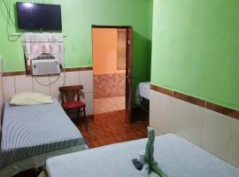 Hotel Economico, Coxen Hole (рядом с городом Coconut Garden)