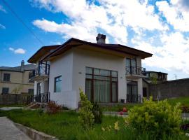 Ilianno, Тбилиси (рядом с городом Kumisi)
