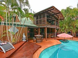 Our Bali House Absolute Beach Front, Toogoom (Woodgate yakınında)