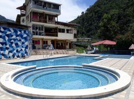 Hotel Campestre Santa Isabel, Puente Linda (Confines yakınında)