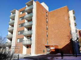 A spacious two-bedroom apartment for five persons near the city center of Riihimäki., Риихимякиc (рядом с городом Hausjärvi)