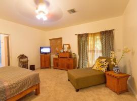 Lahaina Beach Villa - Six Bedroom Home, Lahaina