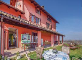 Seven-Bedroom Holiday Home in Castelnuovo Calcea, Castelnuovo (Vinchio yakınında)