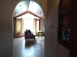 Charming 2 bedroom furnished apartment with easy access