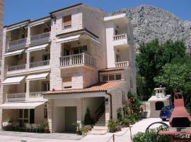 Villa Sladojević, Omiš