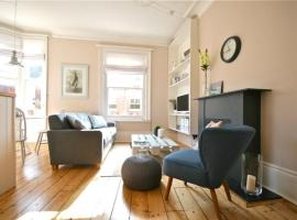 Stunning Flat in Cowes Old Town Centre, West Cowes (рядом с городом West Cowes)