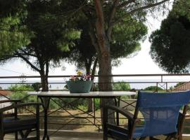 """Amazing sea view"" just 150m from the beach, Vromonérion"