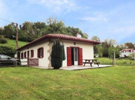House Etxola 2, Сен-Жан-Пье-де-Пор (рядом с городом Saint-Michel)