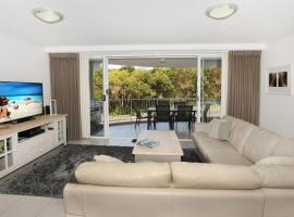 Unit 2 Point Break Apartments - Point Arkwright