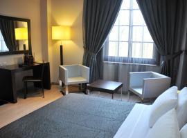 MonarC Hotel