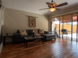 Poinciana w/Hot Tub-Walk to the beach, Fort Lauderdale