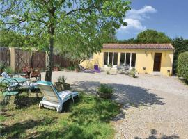 One-Bedroom Holiday Home in Caderousse, Caderousse