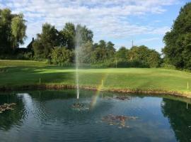 Malkins Bank Golf Club, Sandbach (рядом с городом Алсагер)